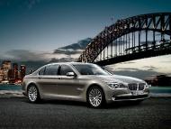 BMW_7series_sedan_01