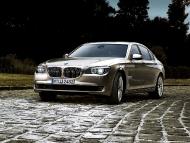 BMW_7series_sedan_02