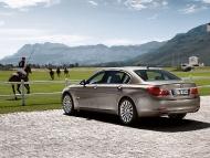 BMW_7series_sedan_04