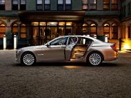 BMW_7series_sedan_07
