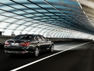 BMW_7series_sedan_11