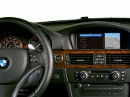 bmw-iphone-ipod-4-655x437