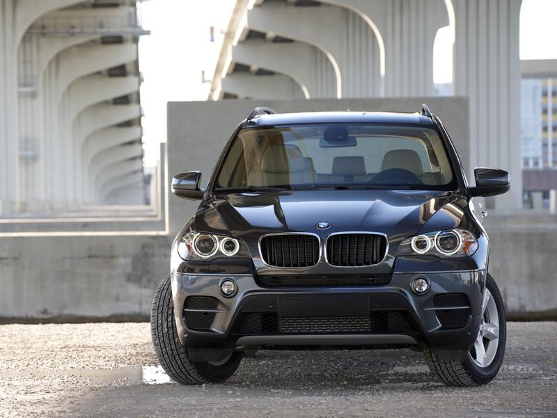 BMW готовит семиместный кроссовер X7.