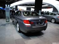 bmw-2011-detroit-auto-show-15-655x438