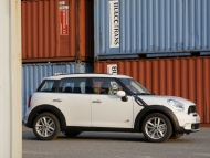 2011-mini-countryman-cooper-s-87-655x436