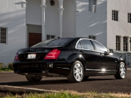 2010-mercedes-benz-s400-hybrid-rear-three-quarters