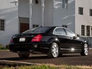 2010-mercedes-benz-s400-hybrid-rear-three-quarters