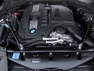 2011-bmw-740i-engine